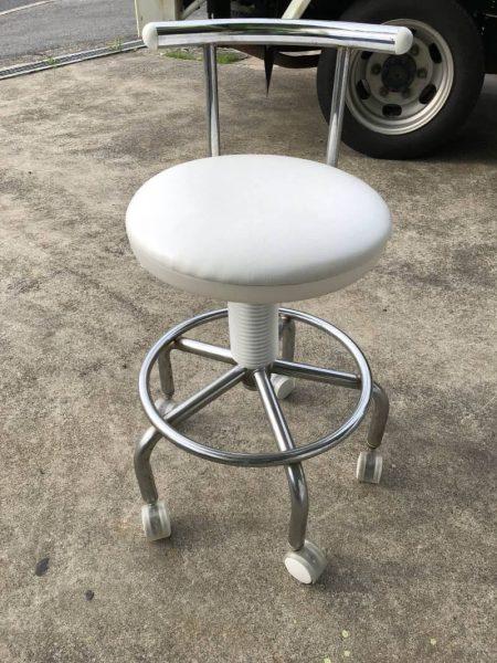 クリニック マツエクサロン エステ 丸椅子 キャスター付 450x600