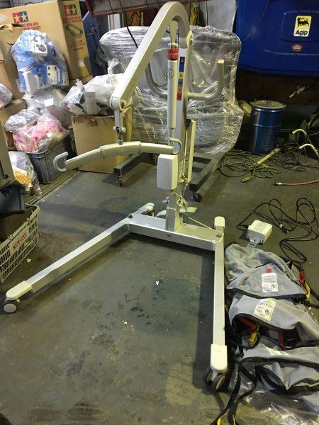 床走行型電動介護リフト 移動用リフト リコライト LIKOLIGHT