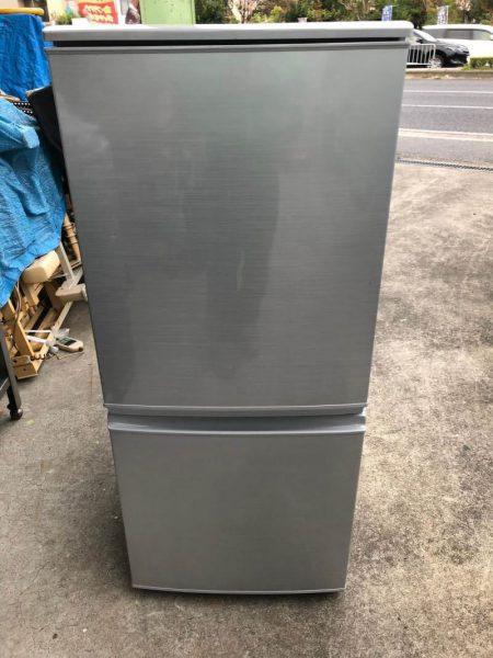 SHARP シャープ ノンフロン冷凍冷蔵 SJ D14A S 137L 2015年製 450x600