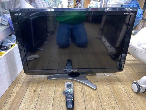 SHARP シャープ AQUOS 32型液晶テレビ LC 32E7 2010年製 600x450