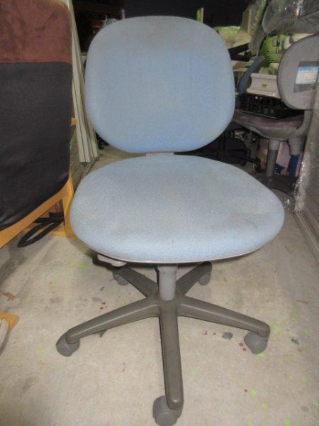 内田洋行 事務チェア キャスター付き 事務椅子 450x600