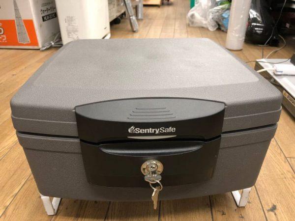 sentry safe 耐火金庫 R4132 鍵付き 対価保管庫 600x450