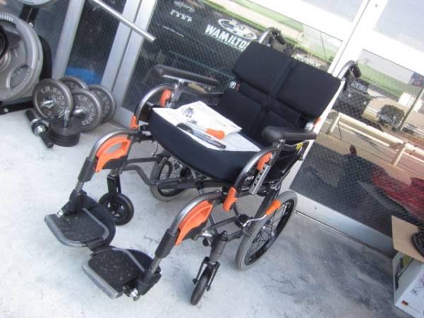 アクトモア ヴィーボ 自走式低車 介助ブレーキ車椅子★