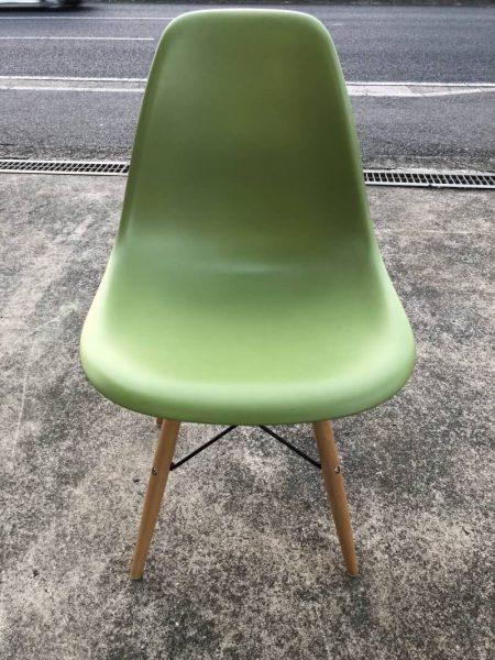 デザイナーズチェア グリーン 475X520X820 椅子