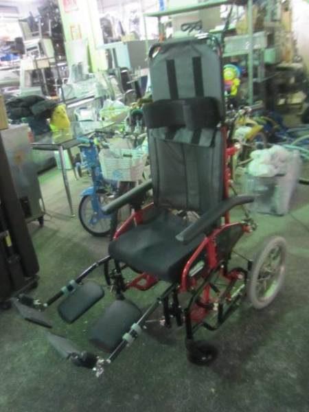 カワムラ ティルトリクライニング車椅子 レッドウッド2